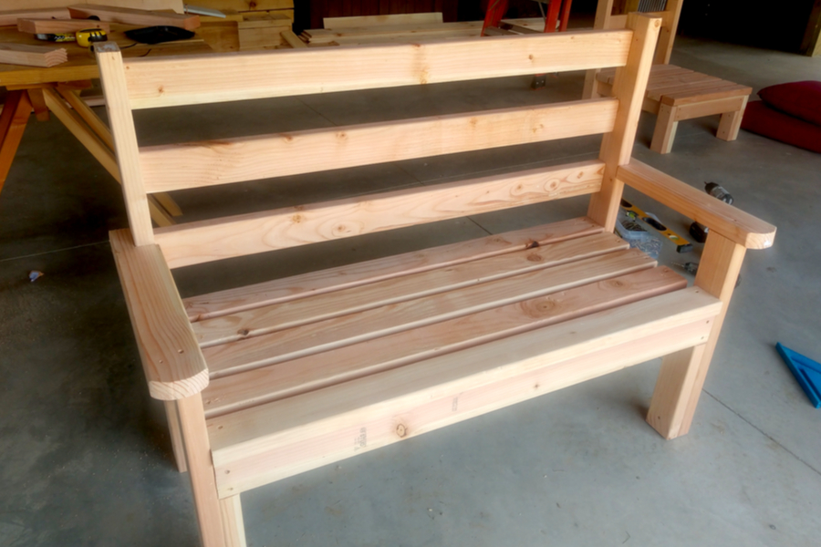 2x4 classic garden bench