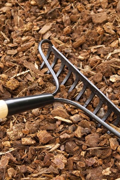 stirring mulch